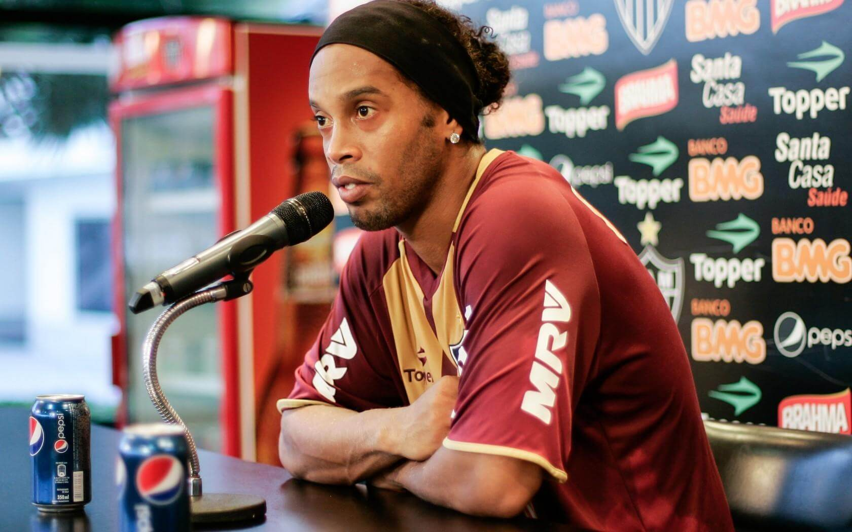 Ronaldinho with Coca cola